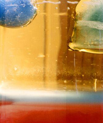 Eiswürfel in Öl