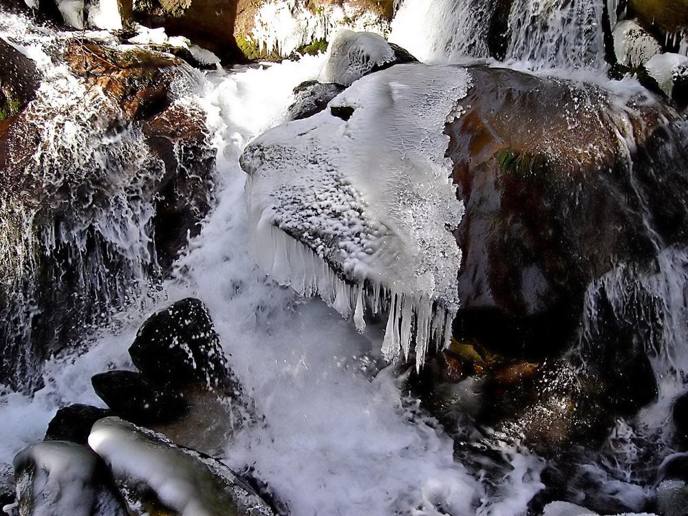 Eiszeit an den Myrafällen
