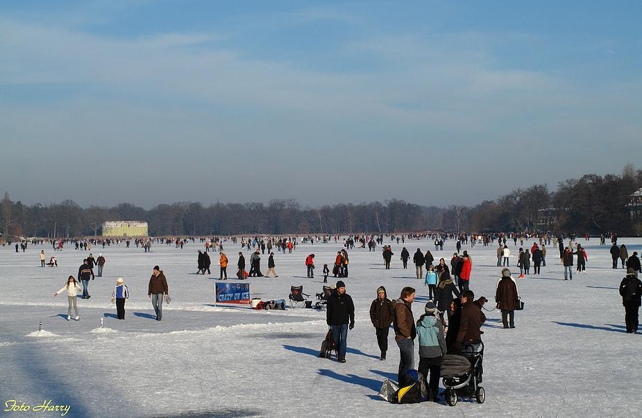 """Eiszeit,- .... auf dem """"Heiligen See"""" in Potsdam."""