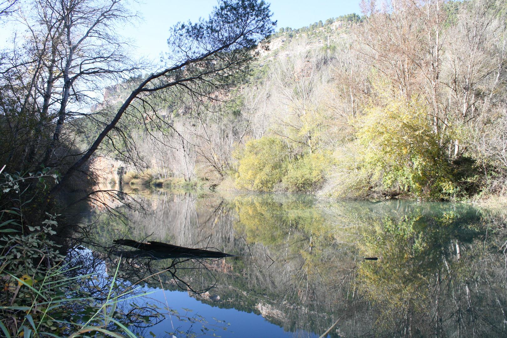 El agua protagonista de la tranquilidad de Alcalá del Júcar