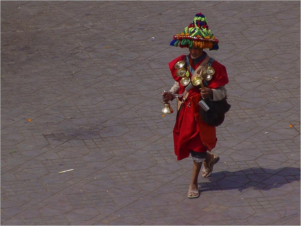 El aguador (Plaza Djemaa el Fna Marrakech Marruecos)
