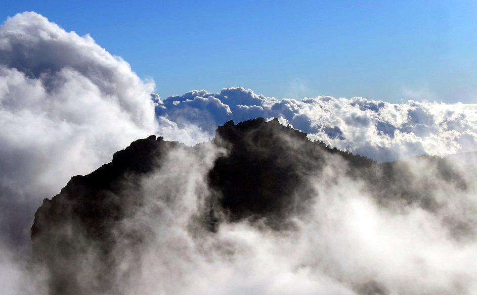 El Campanario, entre nubes