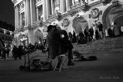 ...el cantautor de la Opera...en BN...