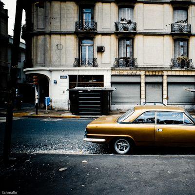 El Carro En Avenida Brasil