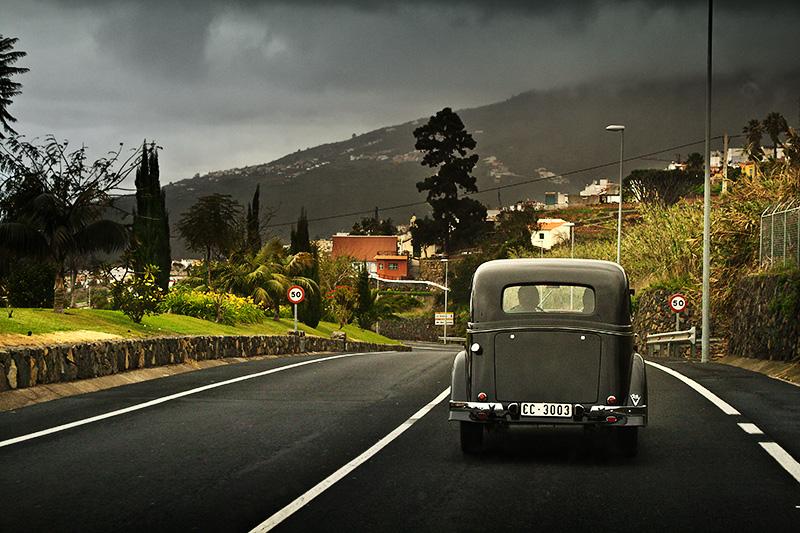 El coche negro