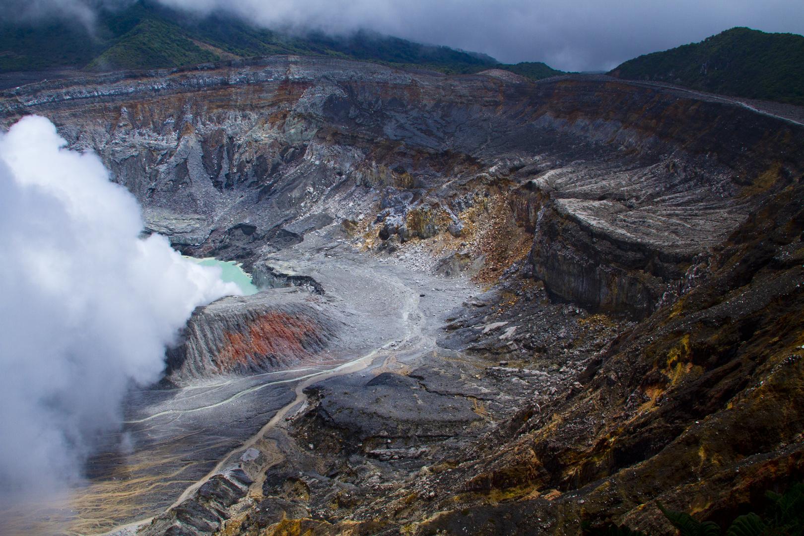 El impresionanate volcan Poás