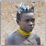 EL JOVEN CAZADOR HADZABE-TANZANIA