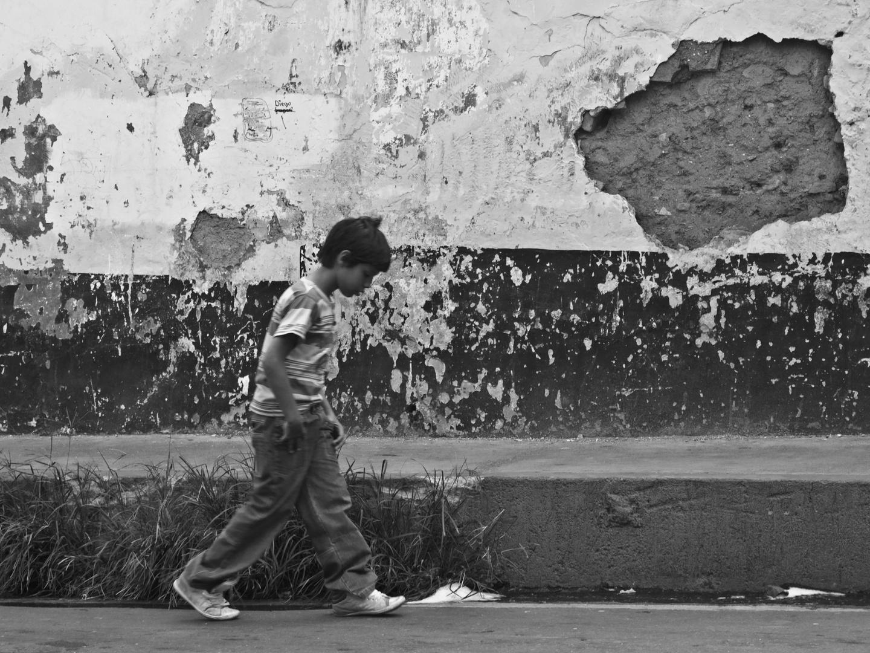 El niño de la calzada