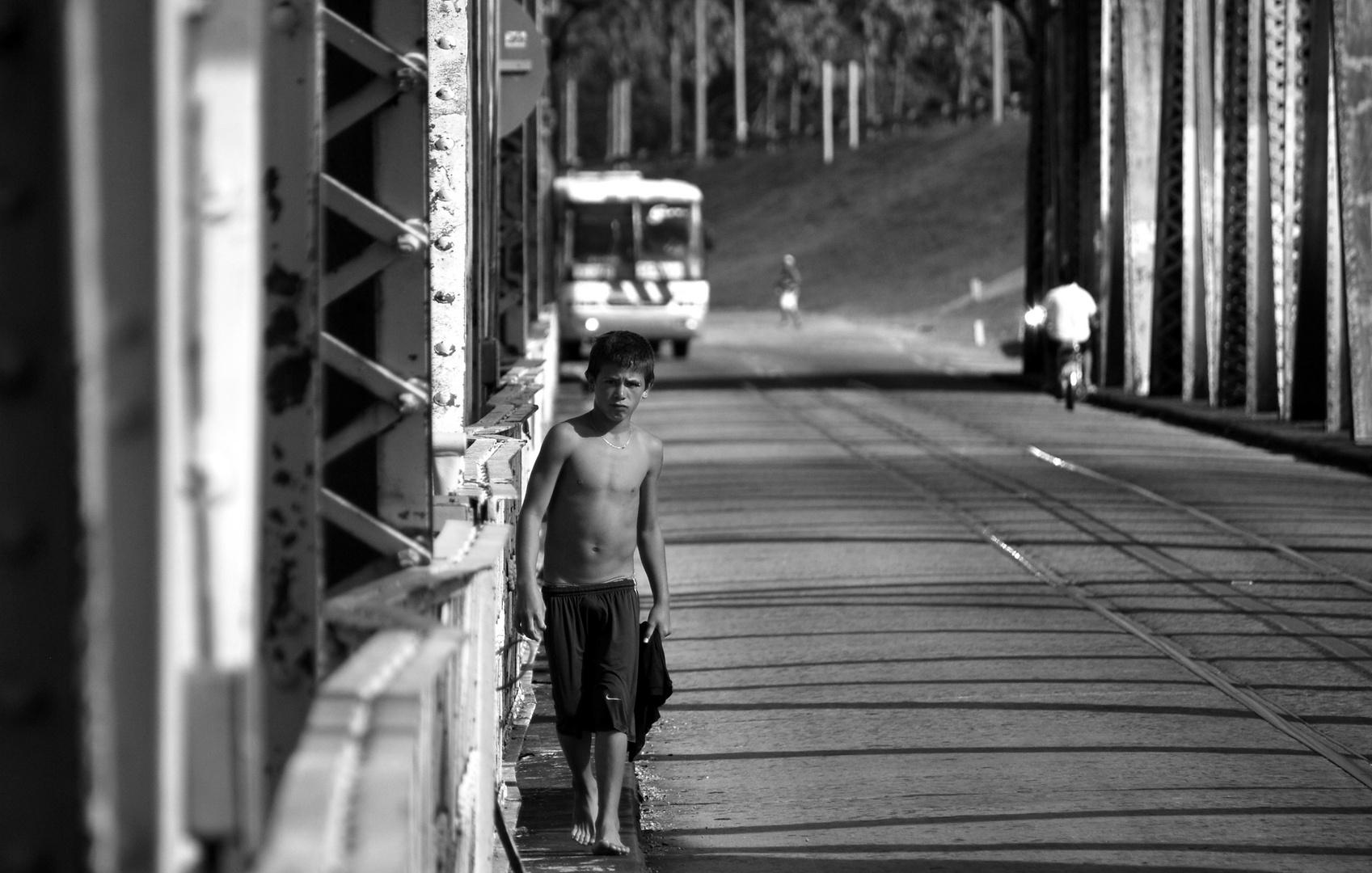 El niño del puente.