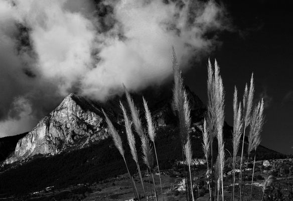el Pedraforca con nubes