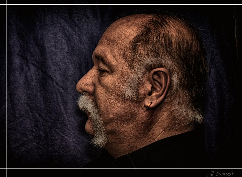 El Perfil (A Amador Garcia Vilches)
