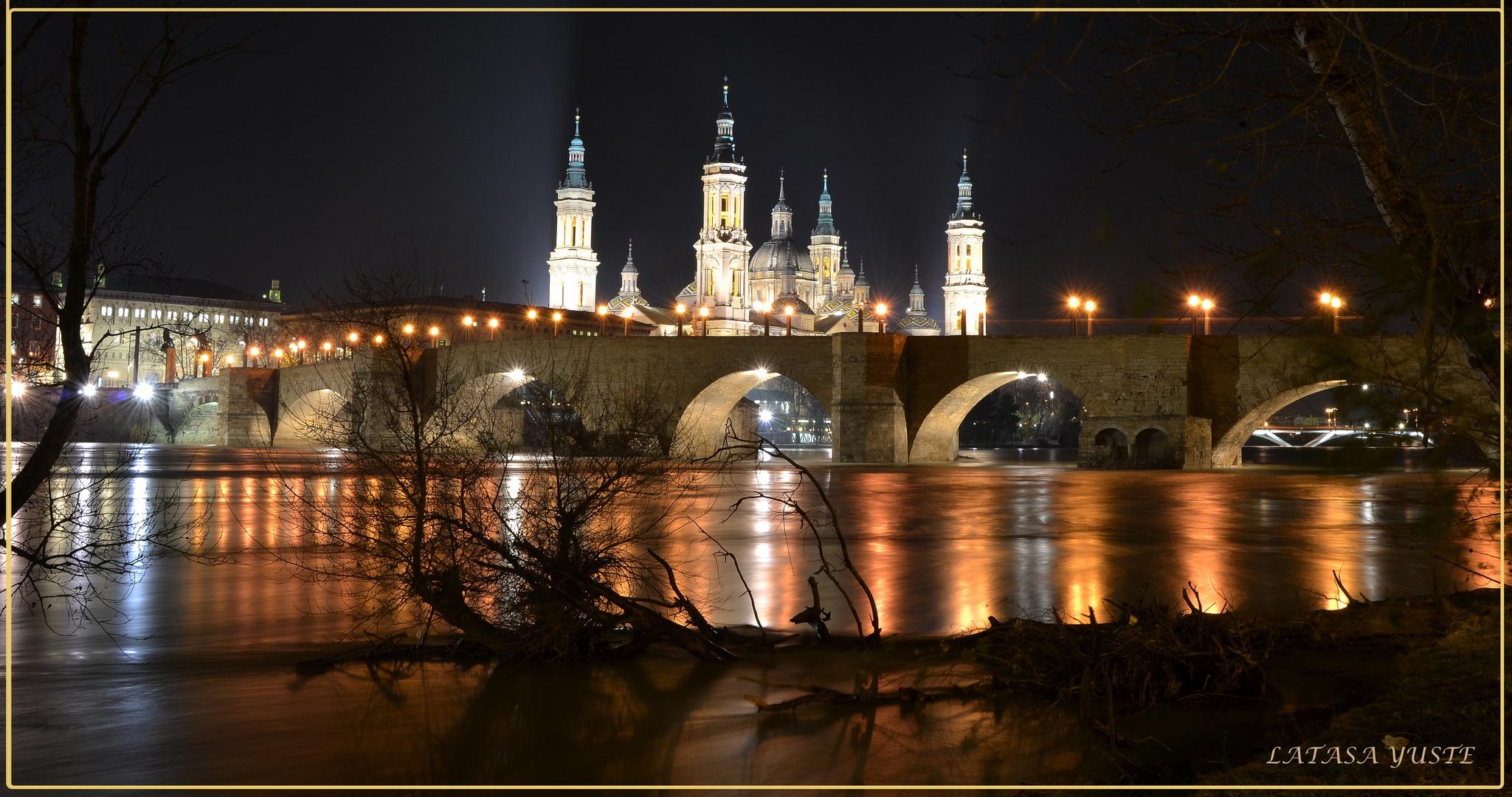 El Pilar de Noche