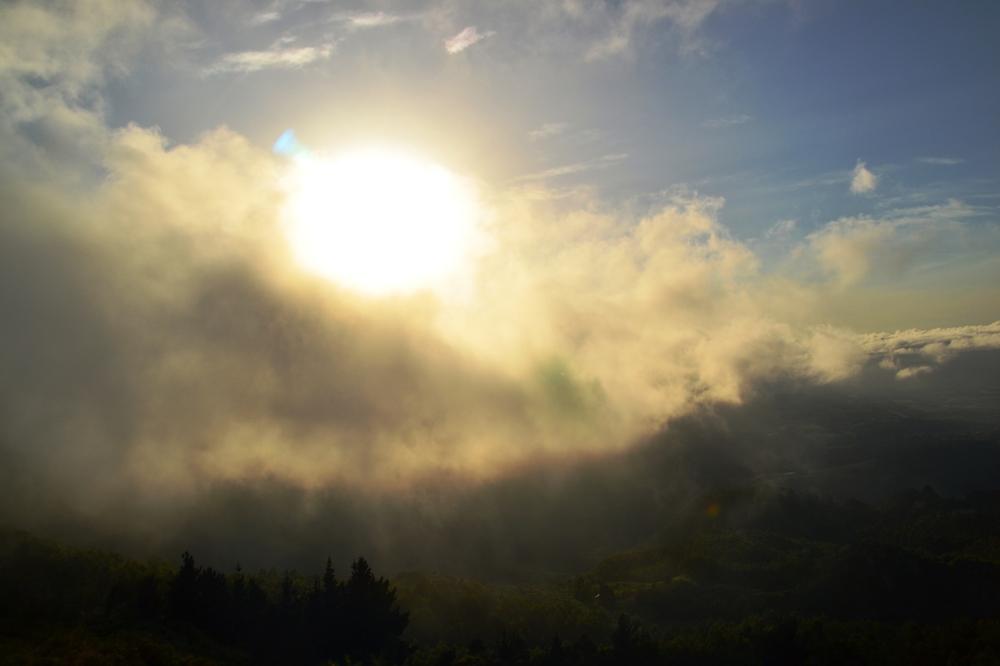 El sol queriendo participar
