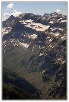 El valle y las cumbres