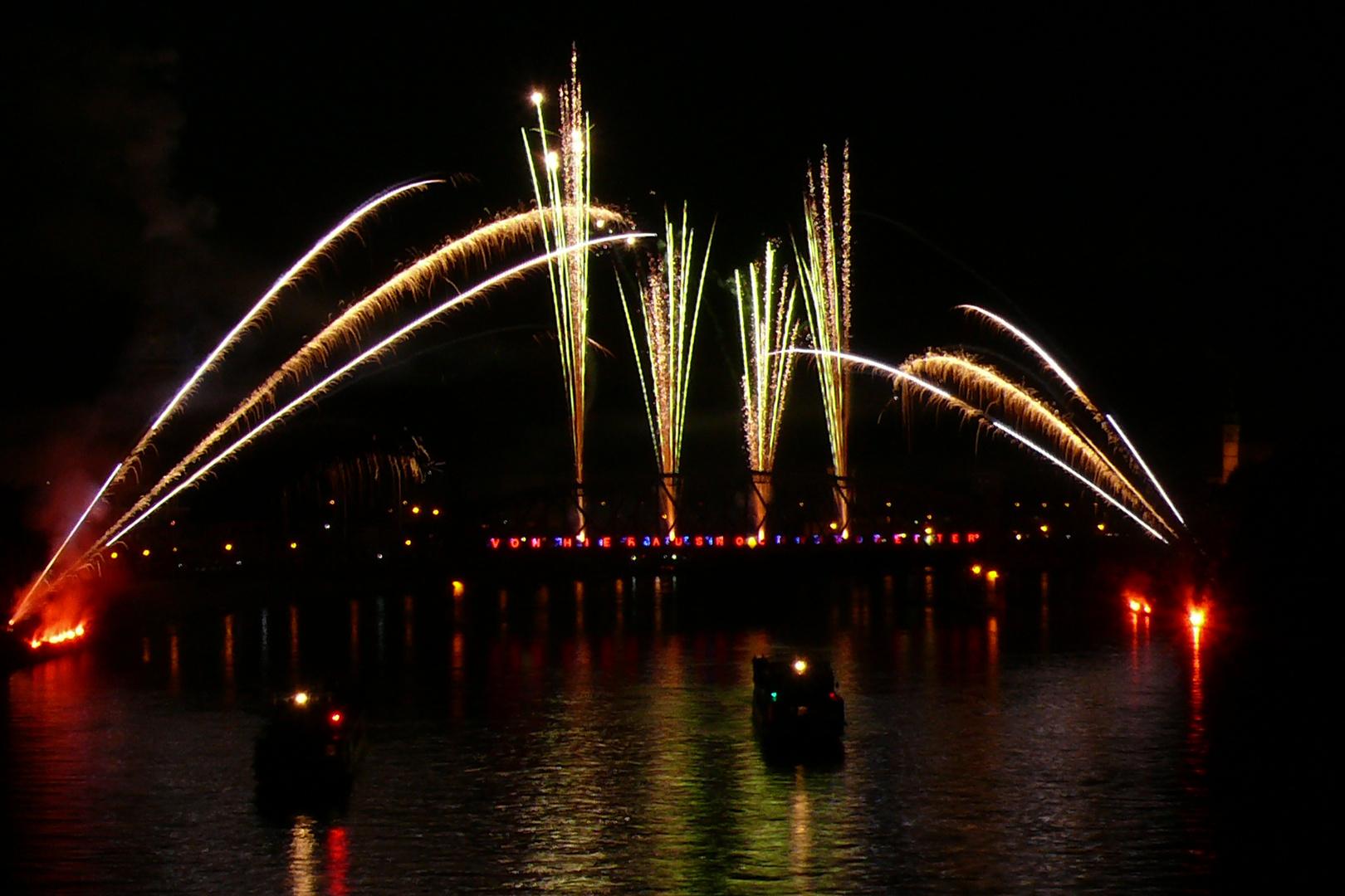 Elbe in Licht und Flammen 2010