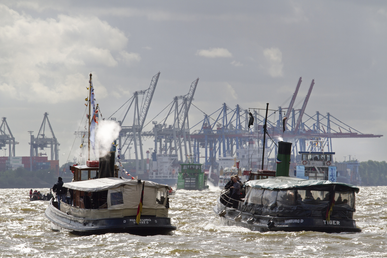 Elbe unter Dampf