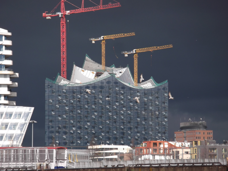 Elbphilharmonie Hamburg bei Gewitter