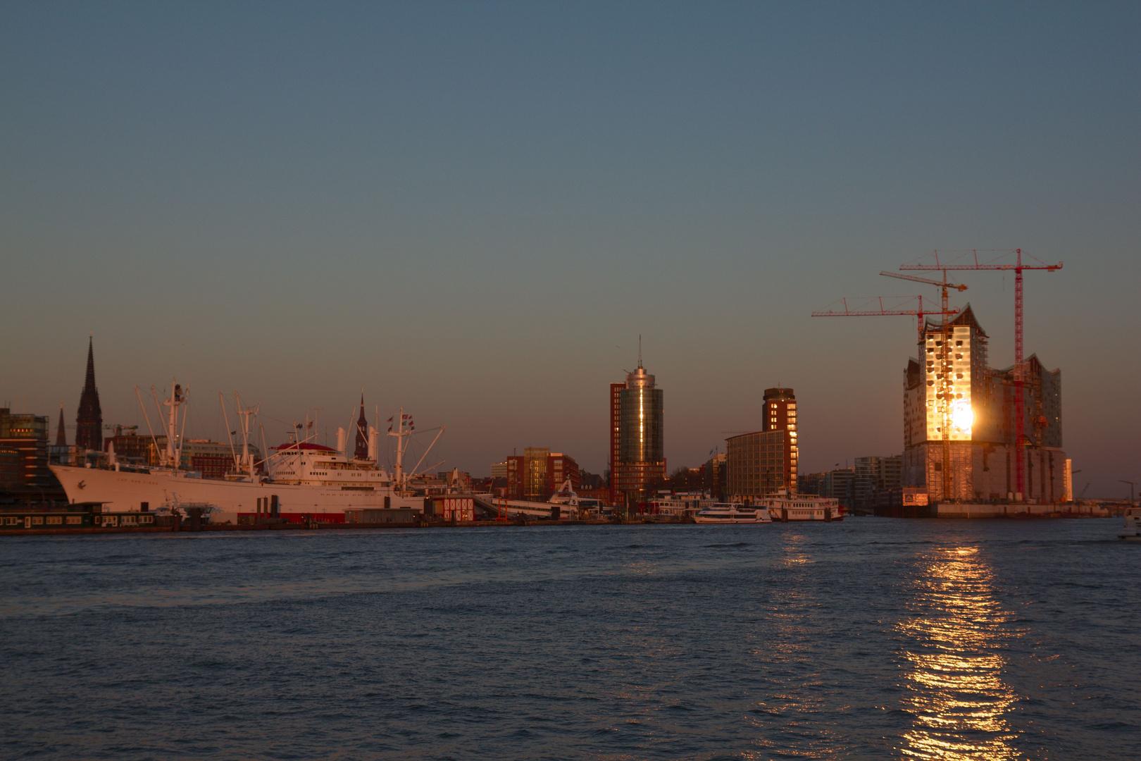 Elbphilharmonie Sonnenuntergang