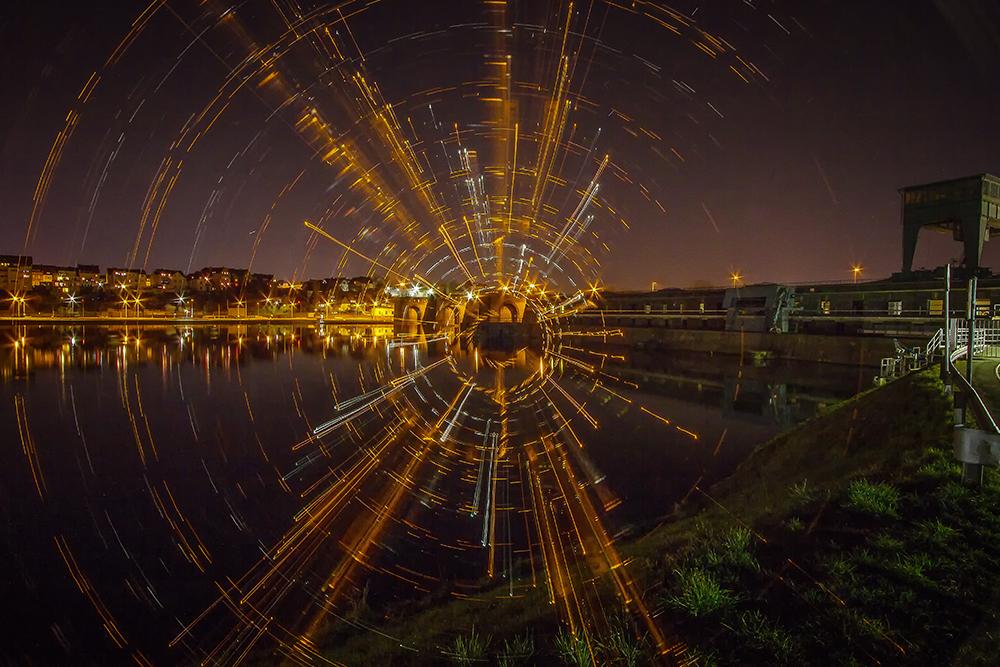 Electrical Movements in the Dark #121 - Vor der Staustufe...