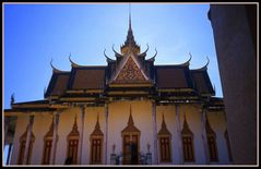 ..Eleganza cambogiana..