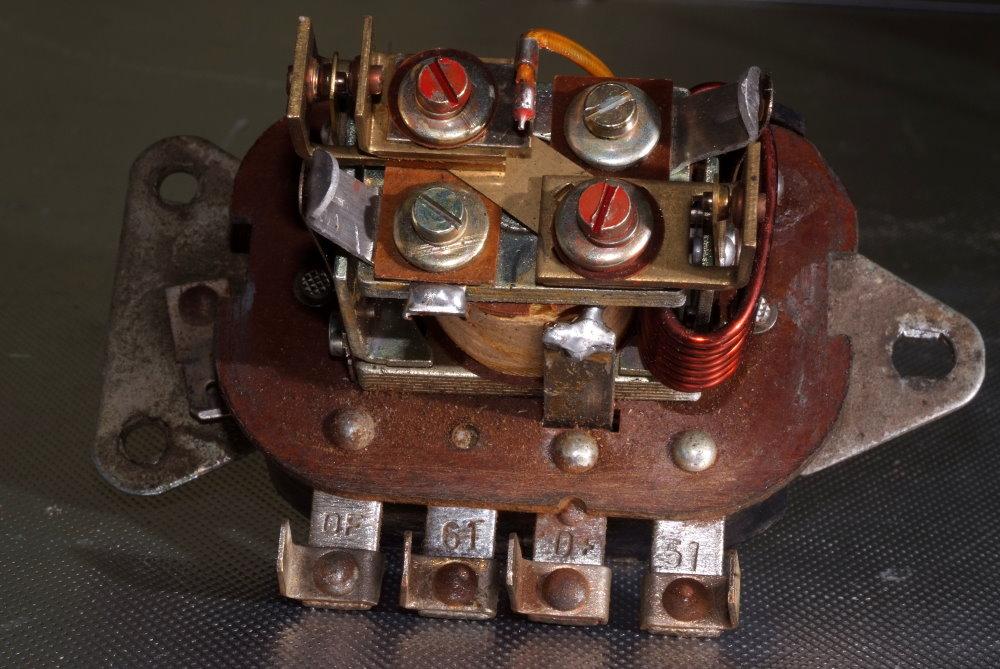 Elektromechanischer Regler