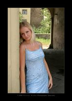 Elena am Tor