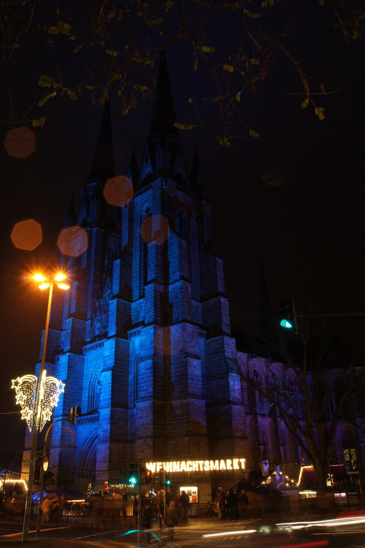 Elisabethkirche Marburg in Blau