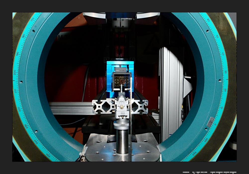Elliptisch fokussierender Neutronenleiter