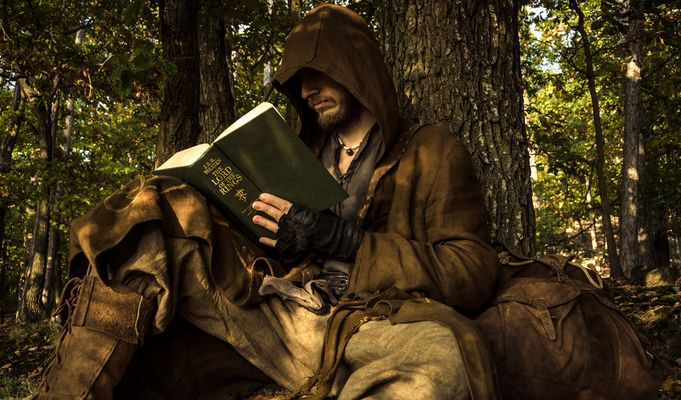 Eltjar reading -The Lord of the Rings-