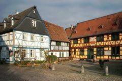 Eltville - Burgstraße mit Weinstube Gelbes Haus