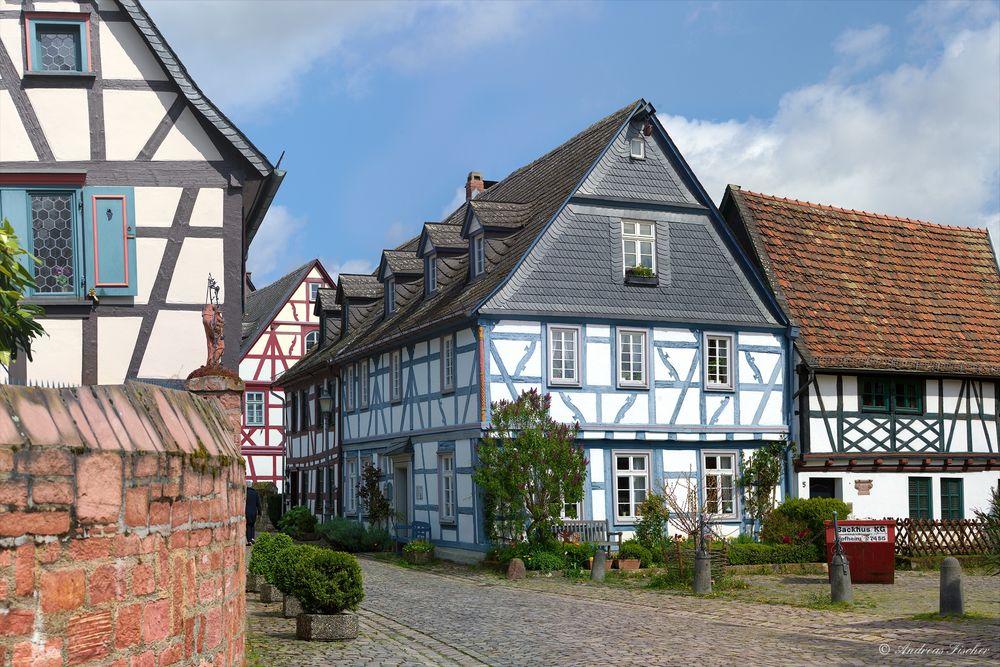 Eltville - Fachwerkhäuser in der Burgstraße - 26. April 2016