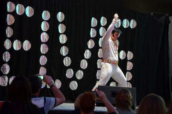 Elvis live in Las Vegas