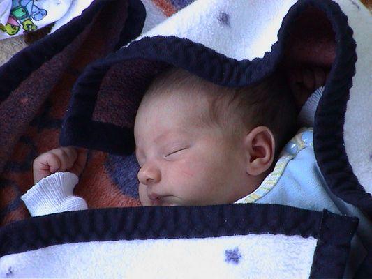 Emilia2-So klein und so müde
