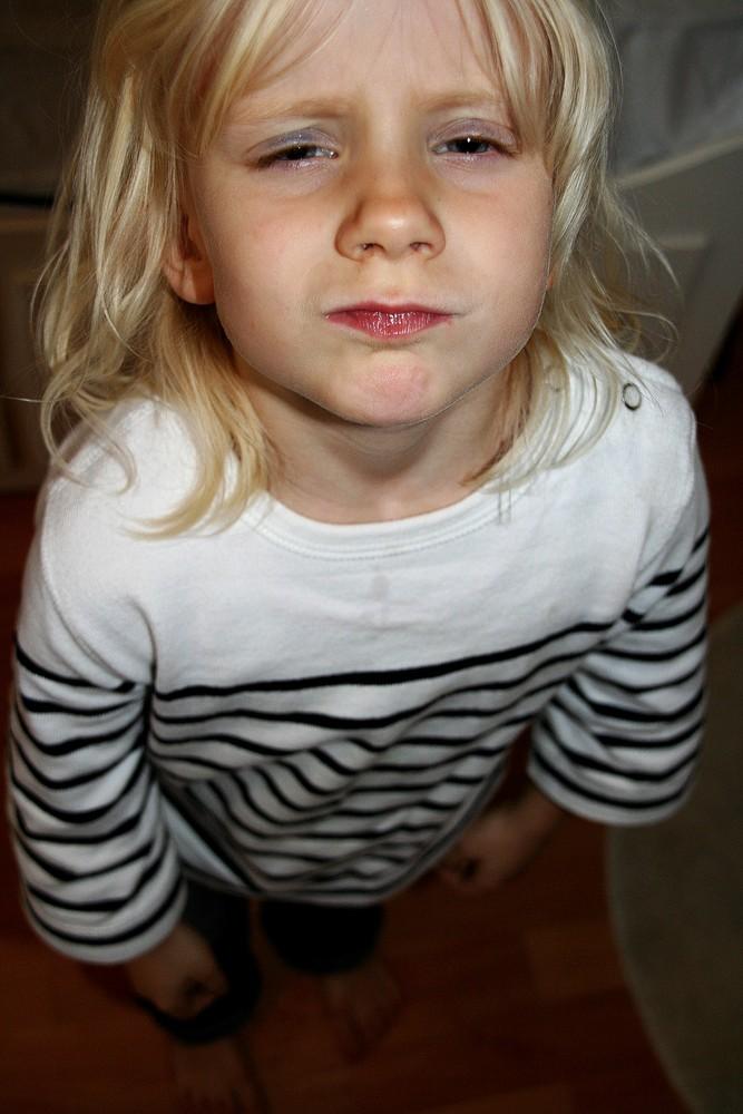 Emily wollte lieber nochmal geschminkt werden...
