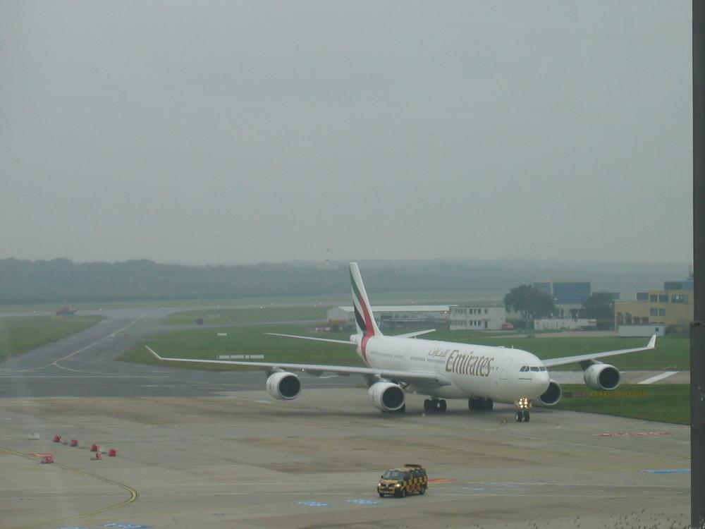 Emirates A340-500 HAM