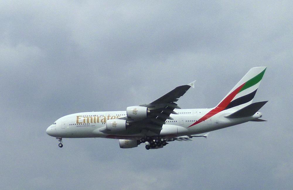 Emirates Airline   Testflug über Airbus/ Finkenwerder