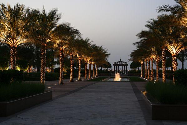 Emirates Palace am Abend 2