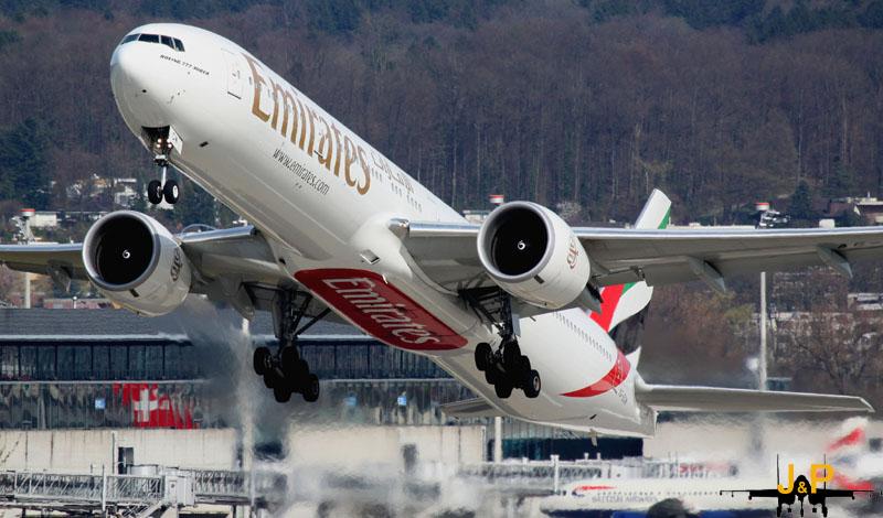 Emirates Take Off RWY 28