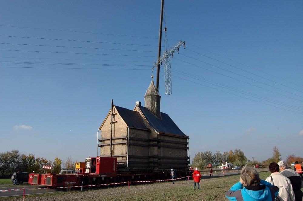 Emmaus-Kirche auf Ab-Wegen?