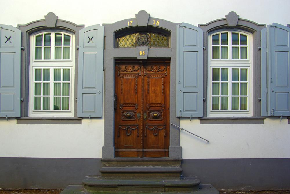 Empire-Tür in Koblenz-Ehrenbreitstein