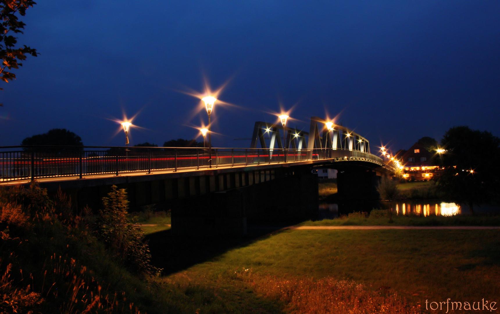 Emsbrücke bei Nacht - bridge over River Ems at night