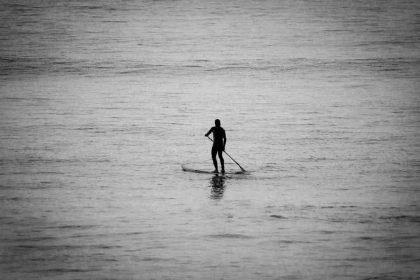 En attendant les vagues