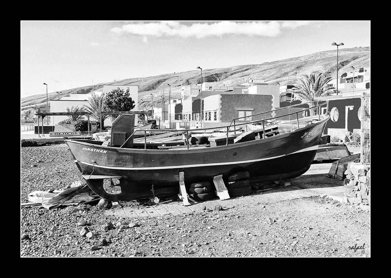 En el dique seco (dedicada a Rafa Gómez, maestro del B/N)