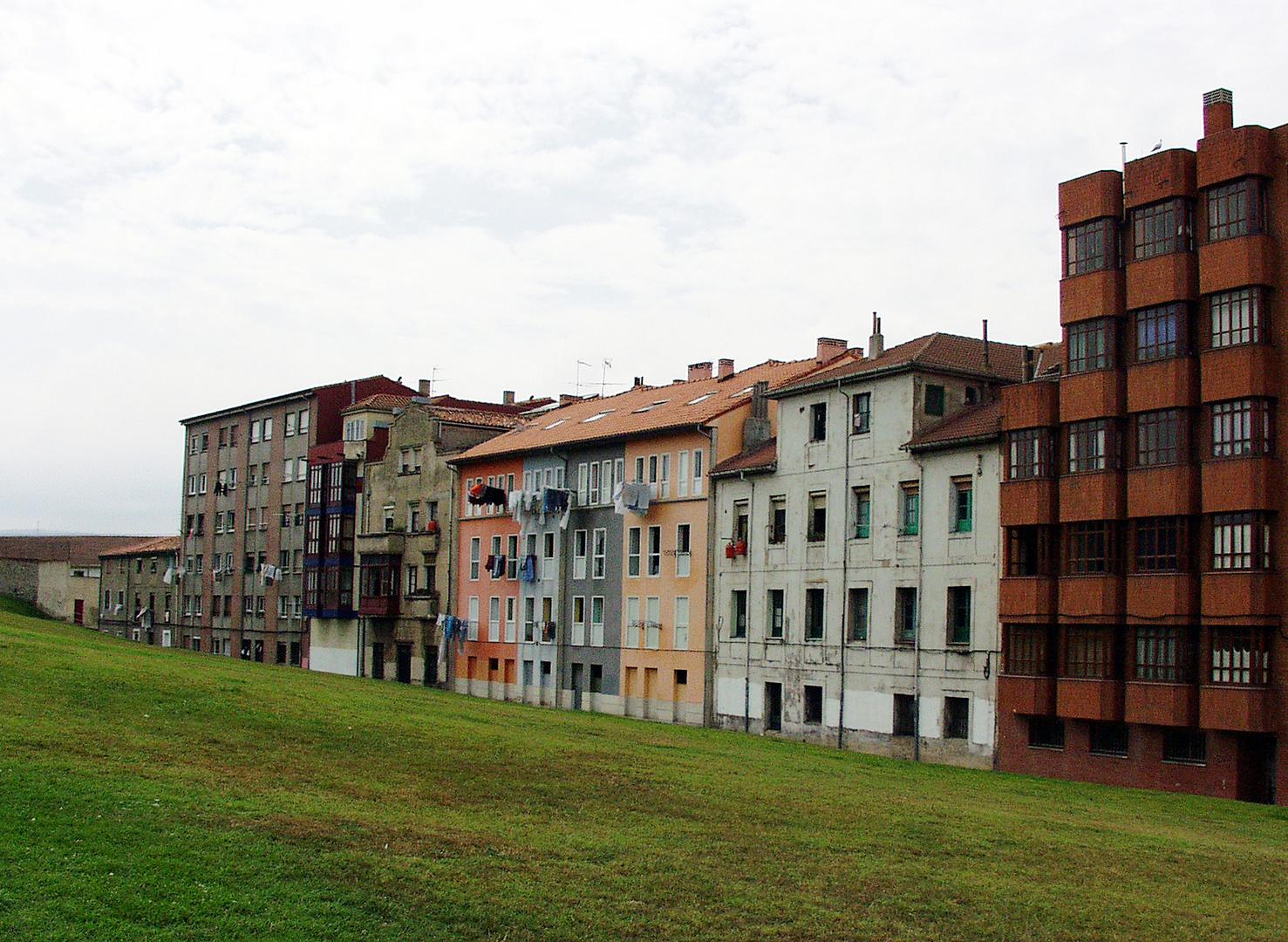 En Gijón, existe el barrio de Cimadevilla