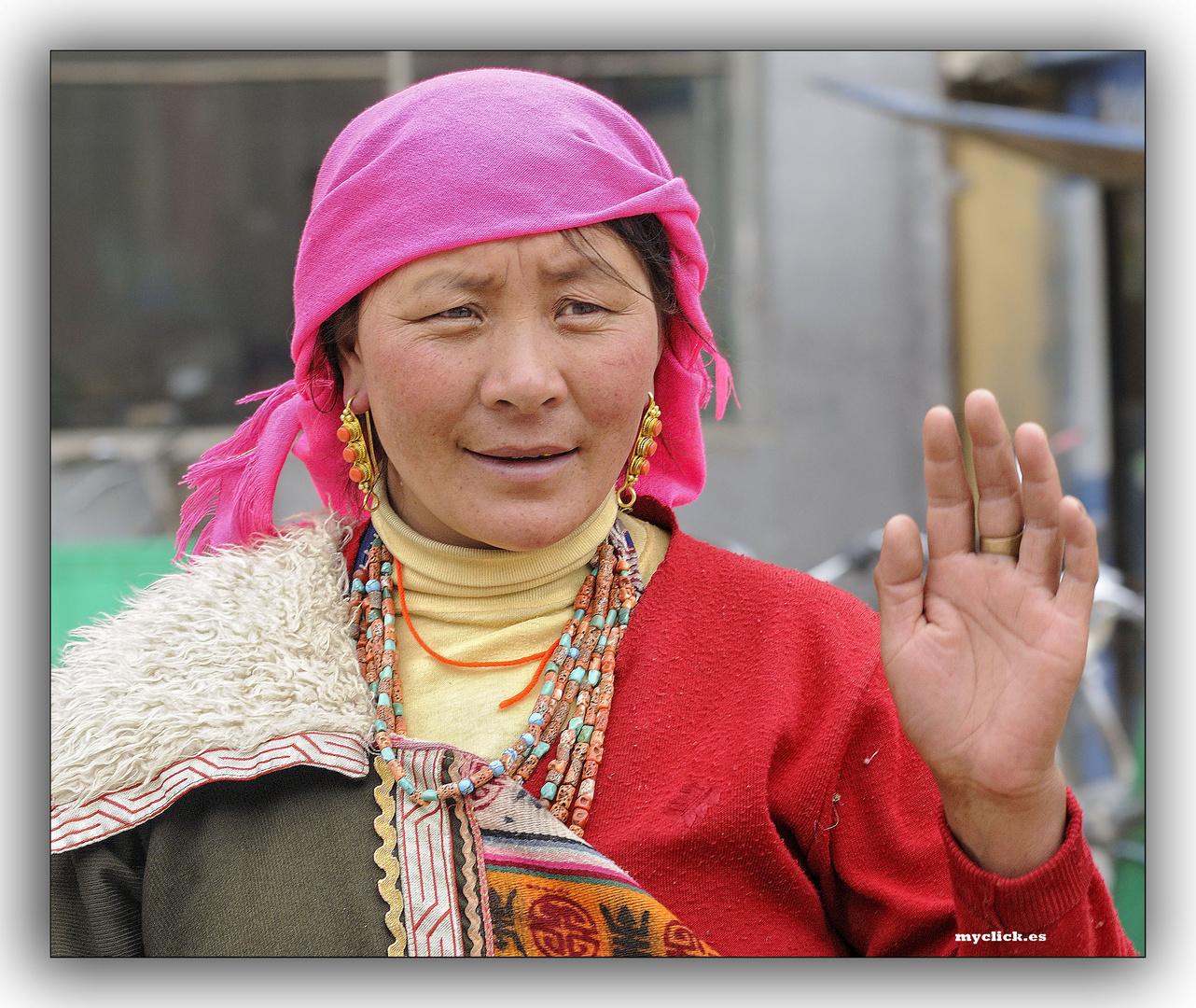 EN LA RUTA DE LA SEDA -BELLEZA TIBETANA-XIAHE-CHINA