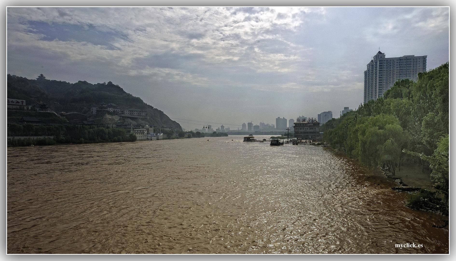 EN LA RUTA DE LA SEDA -EL RIO AMARILLO .-LANZOU-CHINA