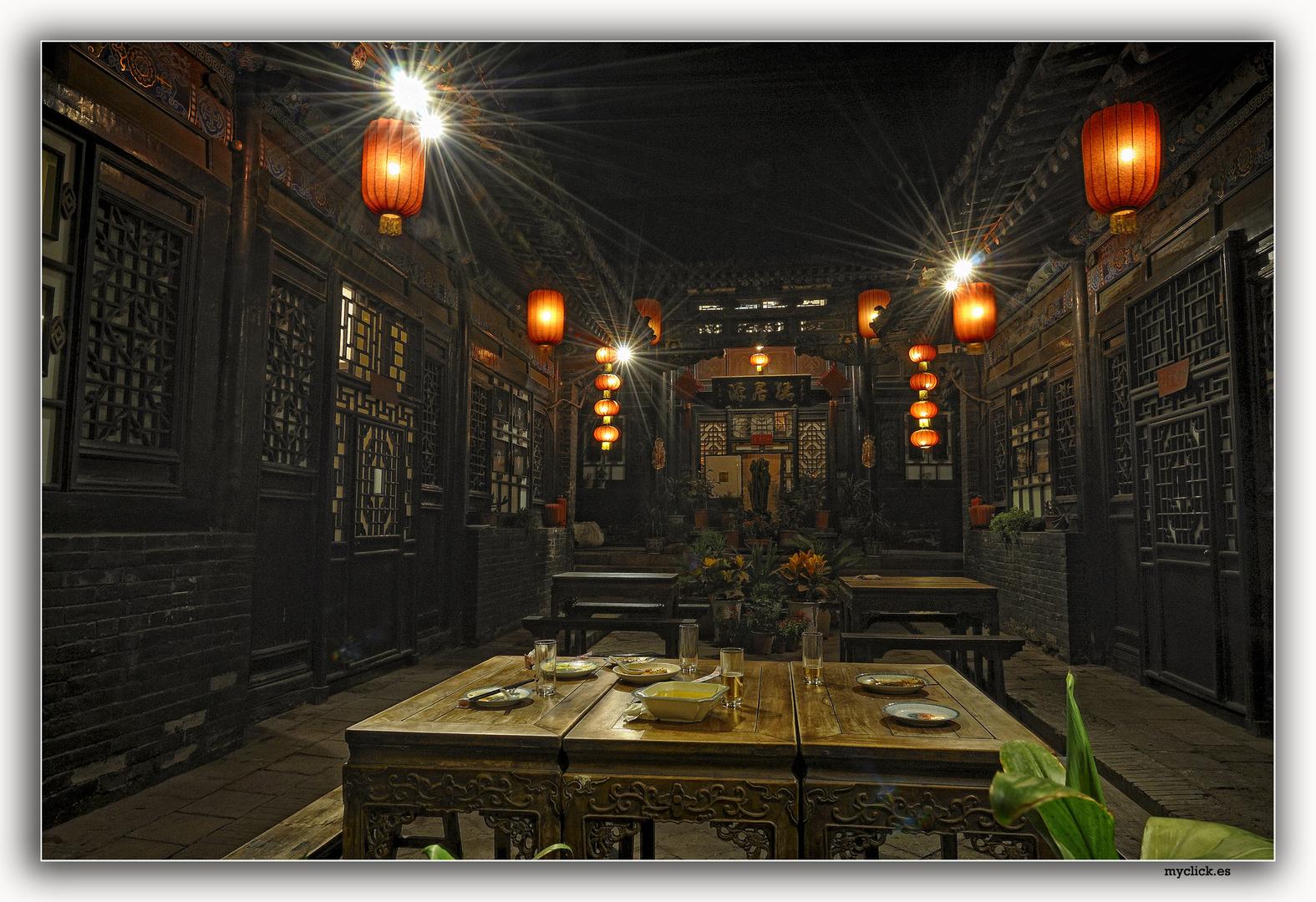 EN LA RUTA DE LA SEDA-UN HOTELITO MUY CHINO-PINGYAO-CHINA