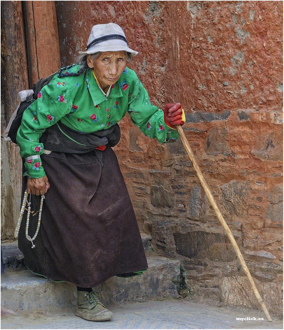 EN LA RUTA DE LA SEDA-UNA PEREGRINA EN XIAE-CHINA