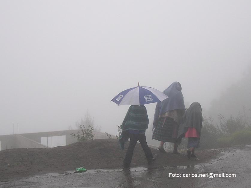 En las alturas y bajo la lluvia