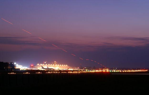 Endanflug bei Nacht